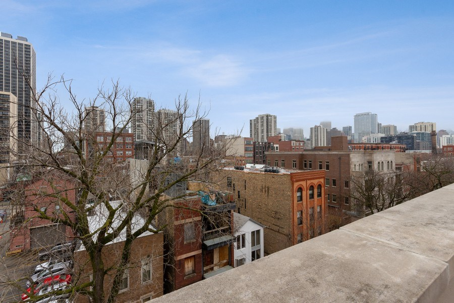 Real Estate Photography - 1510 N Wieland, unit 4, Chicago, IL, 60610 - View