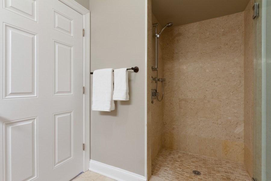 Real Estate Photography - 1510 N Wieland, unit 4, Chicago, IL, 60610 - Bathroom