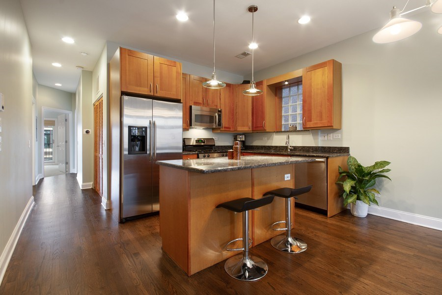 Real Estate Photography - 1510 N Wieland, unit 4, Chicago, IL, 60610 - Kitchen
