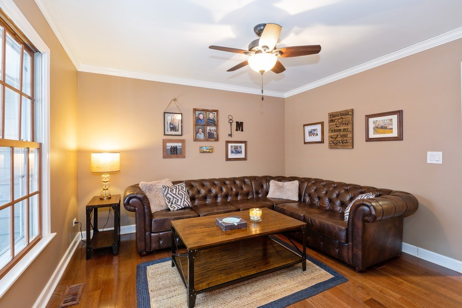 Real Estate Photography - 601 Greens View Drive, Algonquin, IL, 60102 - Living Room