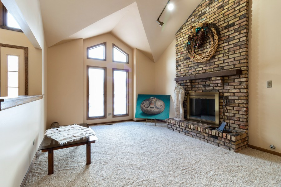 Real Estate Photography - 14855 Westwood Drive, Orland Park, IL, 60462 - Living Room