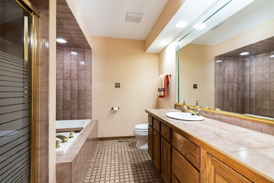 Real Estate Photography - 14855 Westwood Drive, Orland Park, IL, 60462 - Master Bathroom