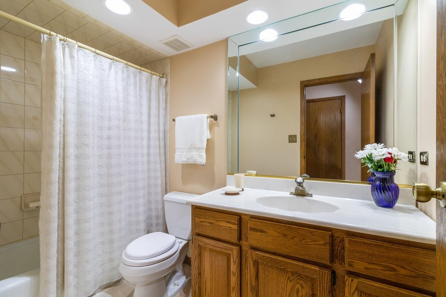 Real Estate Photography - 14855 Westwood Drive, Orland Park, IL, 60462 - Bathroom
