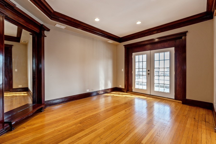 Real Estate Photography - 5356 S Indiana, #2S, Chicago, IL, 60615 - Family Room