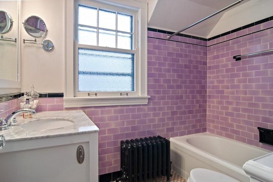Real Estate Photography - 510 Berkeley Rd, Riverside, IL, 60546 - Bathroom