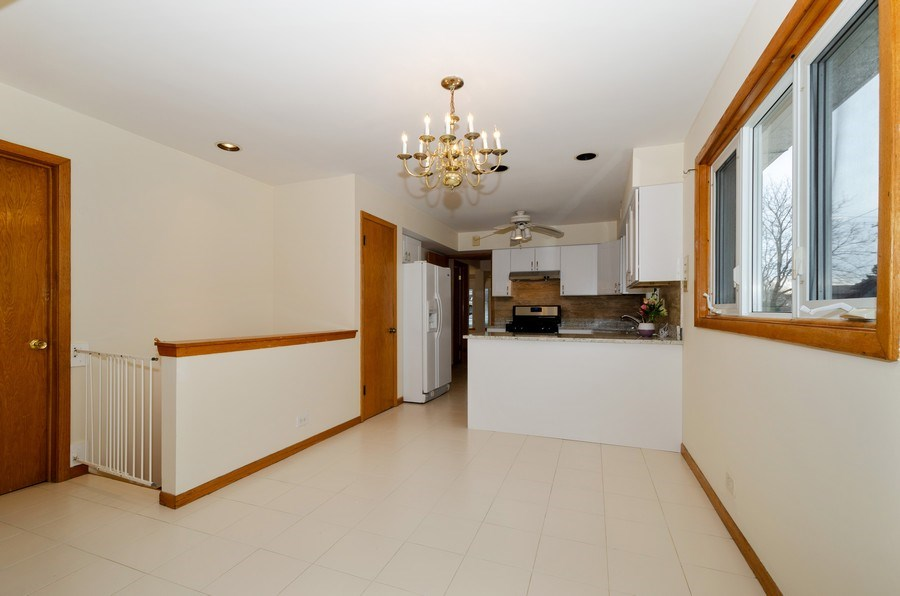 Real Estate Photography - 8738 Stolting, Niles, IL, 60714 - Kitchen / Breakfast Room