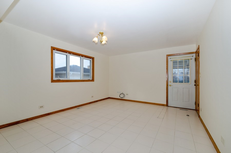 Real Estate Photography - 8738 Stolting, Niles, IL, 60714 - Family Room