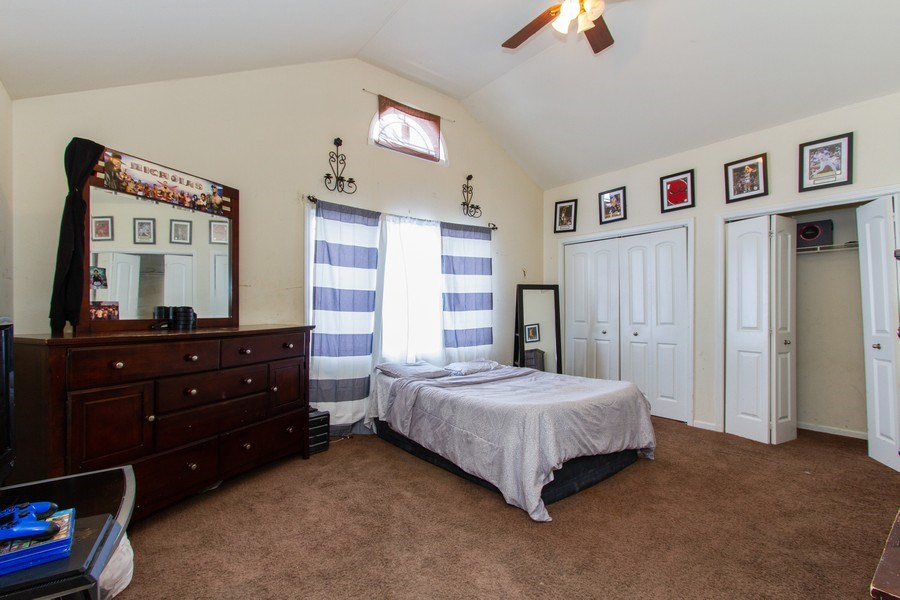 Real Estate Photography - 14 Pembrook Ct, Flossmoor, IL, 60422 - 3rd Bedroom
