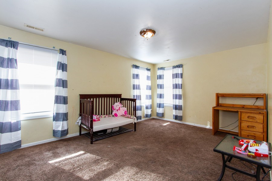 Real Estate Photography - 14 Pembrook Ct, Flossmoor, IL, 60422 - Bedroom