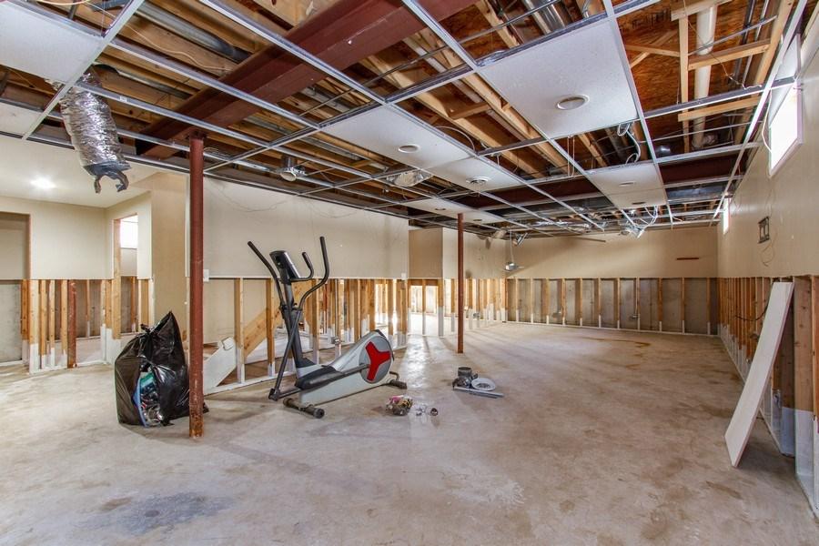 Real Estate Photography - 14 Pembrook Ct, Flossmoor, IL, 60422 - Basement