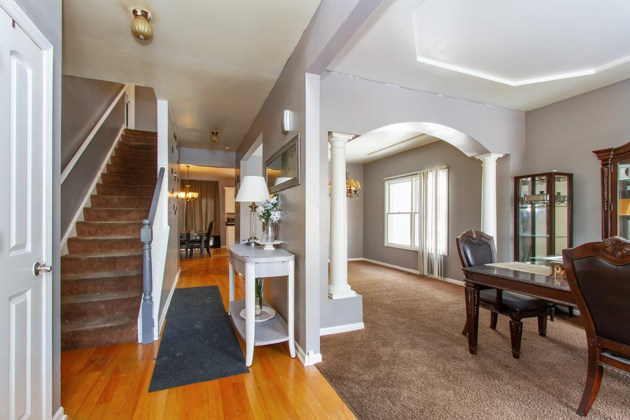 Real Estate Photography - 14 Pembrook Ct, Flossmoor, IL, 60422 - Entryway
