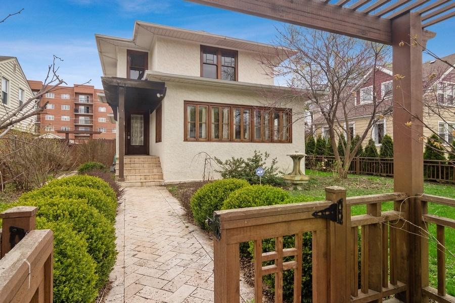Real Estate Photography - 797 Laurel, Des Plaines, IL, 60016 - Front View