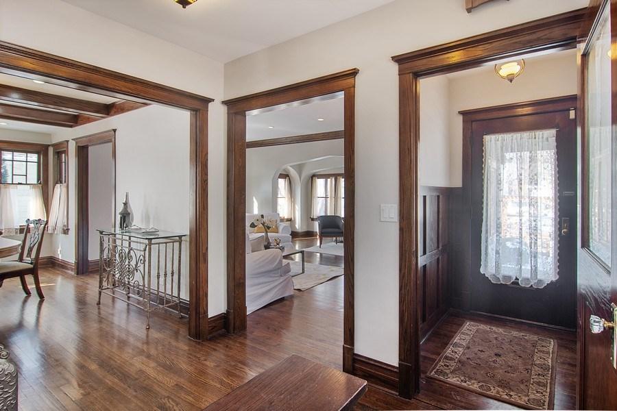 Real Estate Photography - 797 Laurel, Des Plaines, IL, 60016 - Entryway