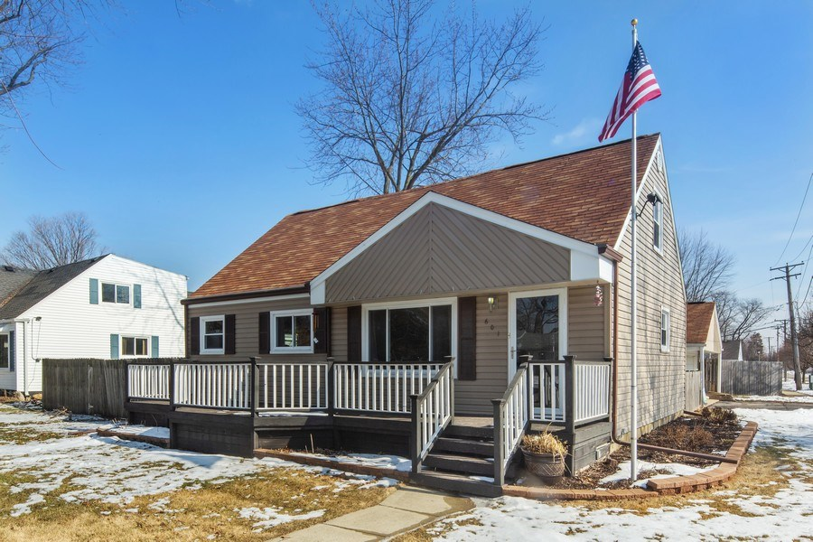 Real Estate Photography - 601 N Grace st, lombard, IL, 60148 - Front View