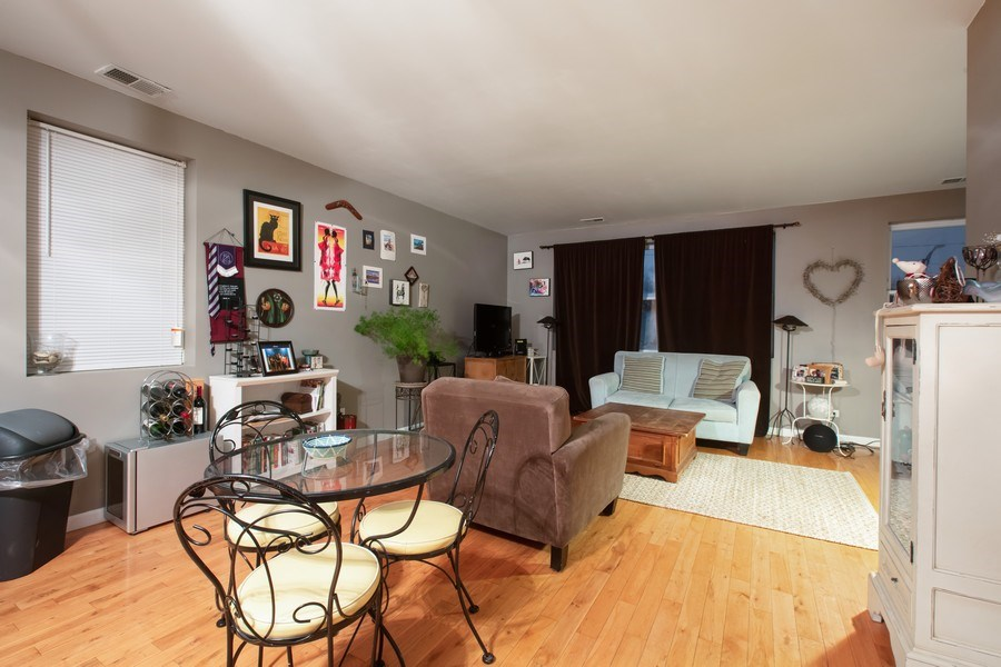 Real Estate Photography - 3022 W Washington, 2, Chicago, IL, 60612 - Living Room