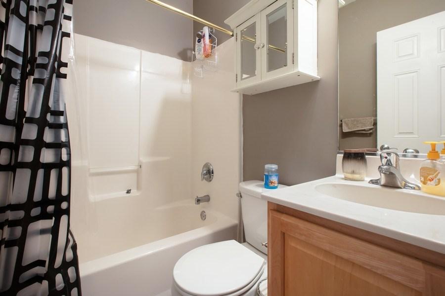 Real Estate Photography - 3022 W Washington, 2, Chicago, IL, 60612 - Bathroom