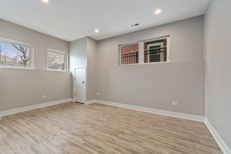 Real Estate Photography - 4714 S Calumet, Chicago, IL, 60653 - Living Room