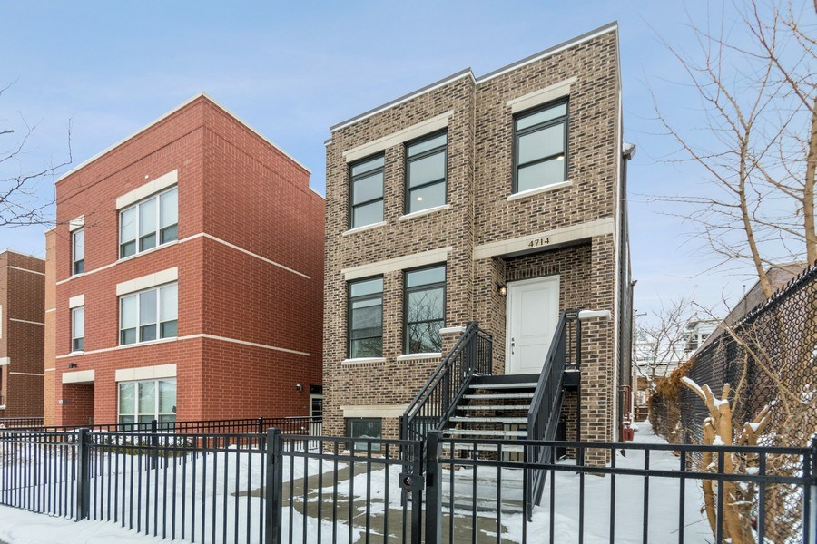 Real Estate Photography - 4714 S Calumet, Chicago, IL, 60653 - Front View