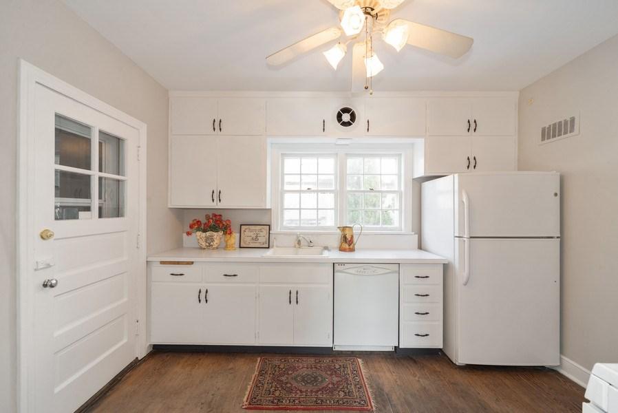 Real Estate Photography - 1014 S Chester, Park Ridge, IL, 60068 - Kitchen