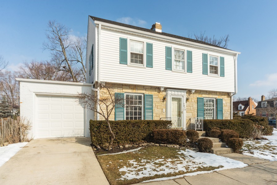 Real Estate Photography - 1014 S Chester, Park Ridge, IL, 60068 - Front View