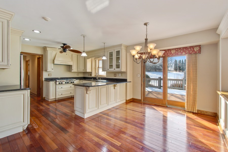 Real Estate Photography - 3015 Woods Creek Lane, Algonquin, IL, 60102 - Kitchen / Breakfast Room