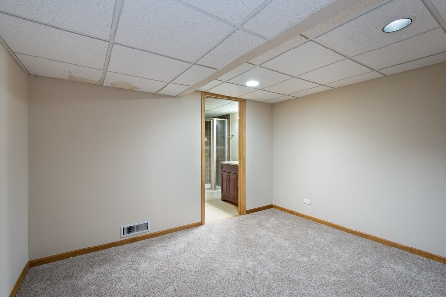 Real Estate Photography - 3015 Woods Creek Lane, Algonquin, IL, 60102 - Office