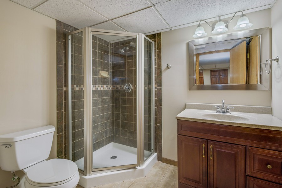 Real Estate Photography - 3015 Woods Creek Lane, Algonquin, IL, 60102 - Bathroom