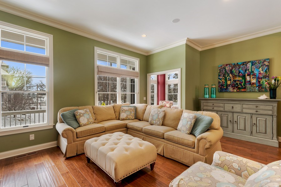 Real Estate Photography - 59 North Shore Drive, South Haven, MI, 49090 - Living Room