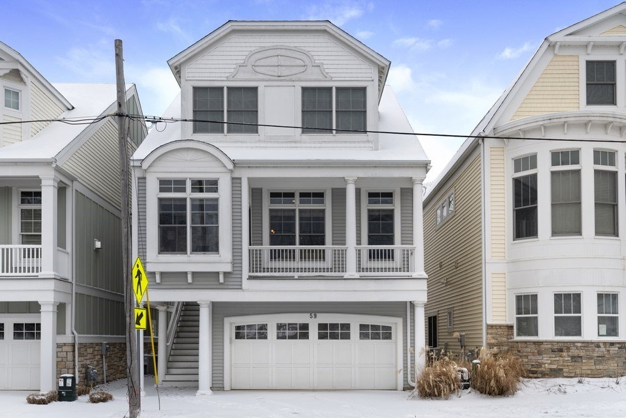 Real Estate Photography - 59 North Shore Drive, South Haven, MI, 49090 - Front View