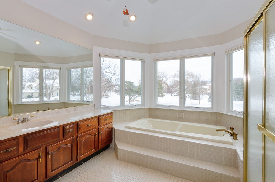 Real Estate Photography - 20587 Swansway, Deer Park, IL, 60010 - Master Bathroom