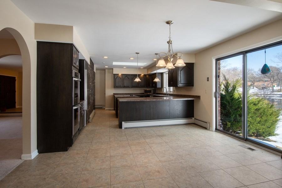 Real Estate Photography - 57 Flint Drive (aka 23203 N. Flint Drive), Lake Barrington, IL, 60010 - Kitchen / Breakfast Room