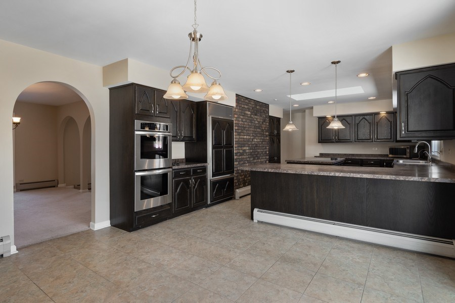 Real Estate Photography - 57 Flint Drive (aka 23203 N. Flint Drive), Lake Barrington, IL, 60010 - Kitchen