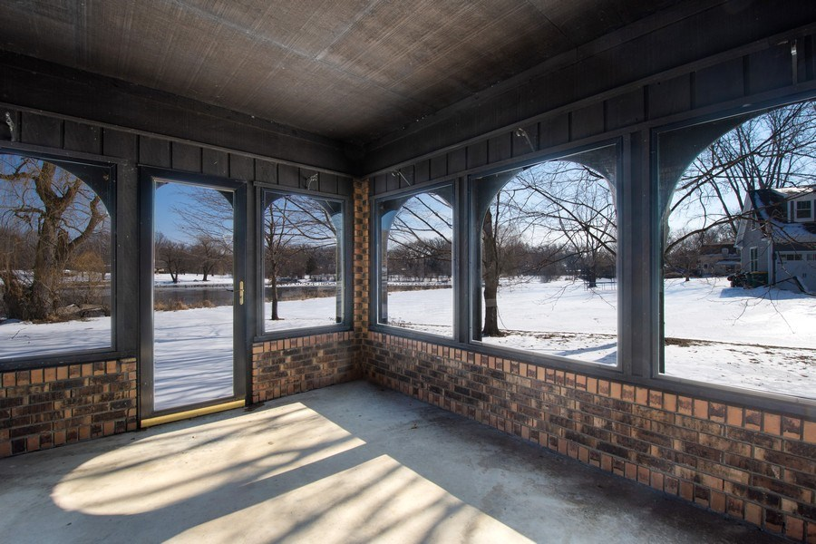 Real Estate Photography - 57 Flint Drive (aka 23203 N. Flint Drive), Lake Barrington, IL, 60010 - Sun Room