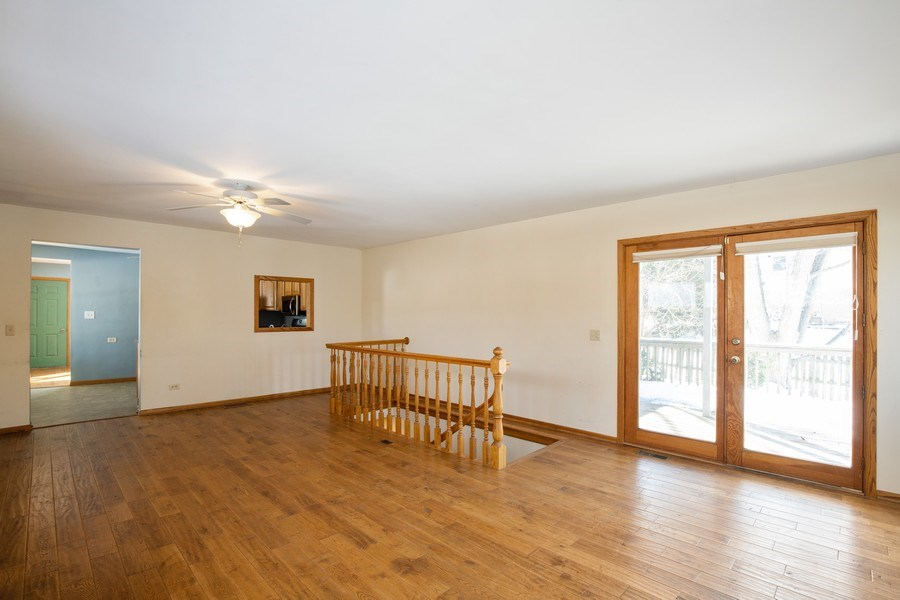 Real Estate Photography - 2510 Carmel Blvd., Zion, IL, 60099 - Living Room