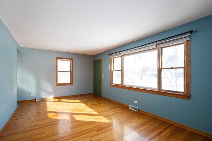 Real Estate Photography - 2510 Carmel Blvd., Zion, IL, 60099 - Family Room