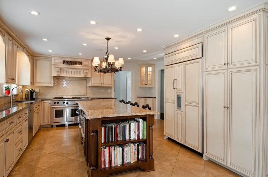Real Estate Photography - 2800 Romona Court, Wilmette, IL, 60091 - Kitchen