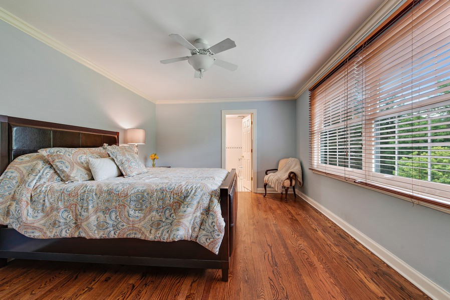 Real Estate Photography - 2800 Romona Court, Wilmette, IL, 60091 - Bedroom 2 (En-Suite)