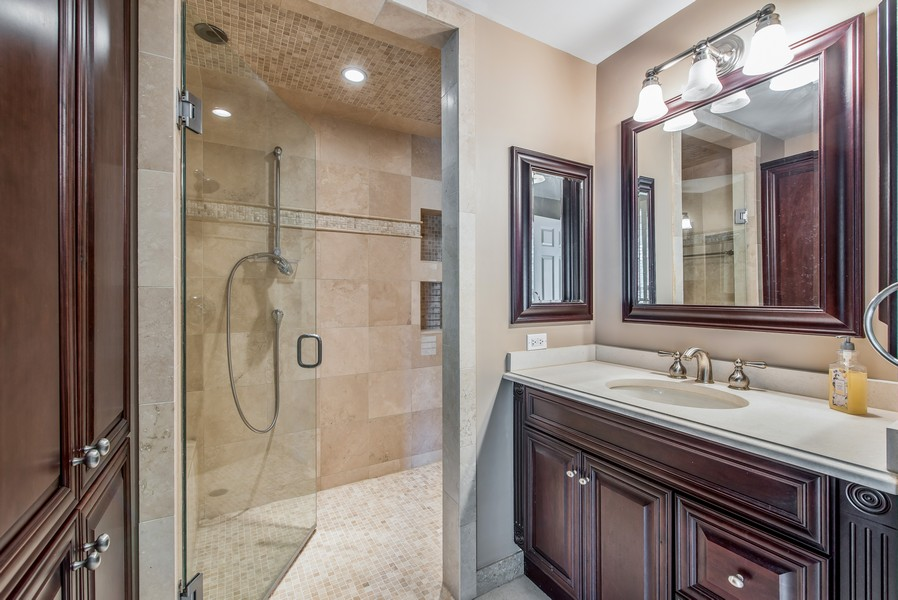 Real Estate Photography - 2800 Romona Court, Wilmette, IL, 60091 - Full Bath: Bedroom 6 (First Floor)