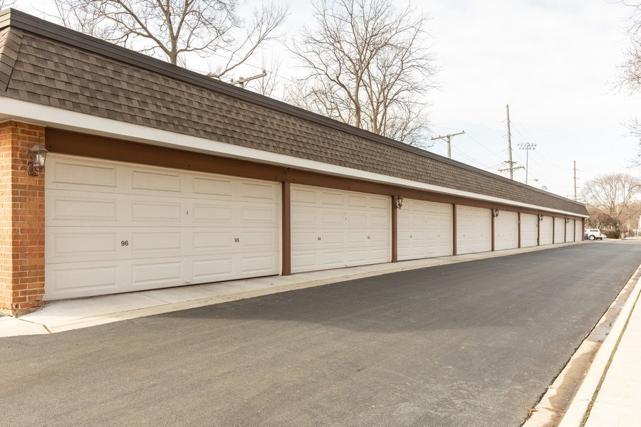 Real Estate Photography - 4250 Saratoga Ave., Unit 114, Downers Grove, IL, 60515 - Garage