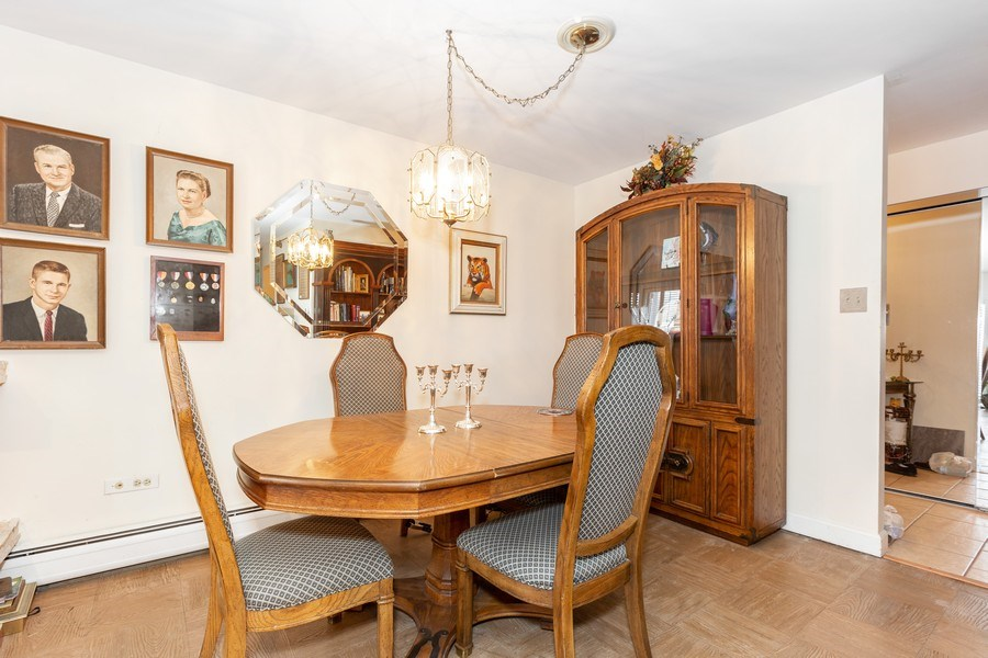 Real Estate Photography - 4250 Saratoga Ave., Unit 114, Downers Grove, IL, 60515 - Dining Area