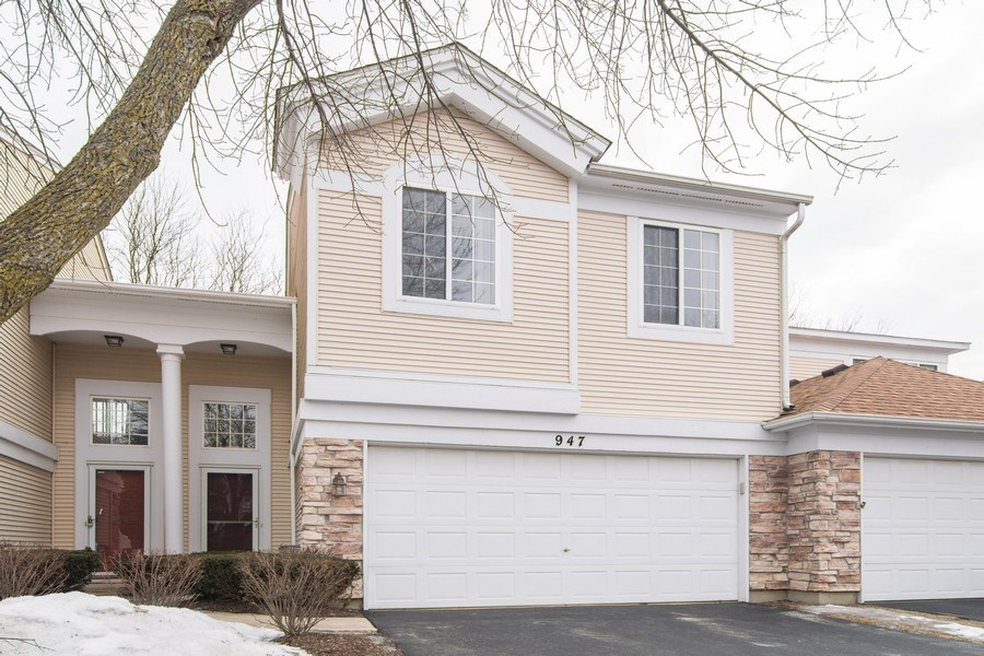 Real Estate Photography - 947 Mesa Dr, Elgin, IL, 60123 - Front View