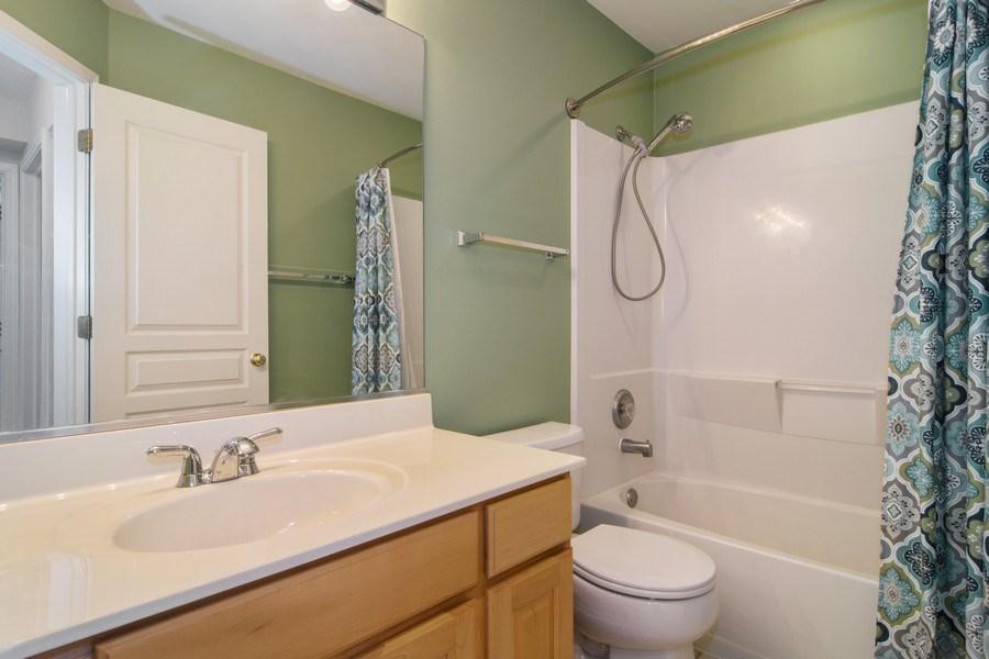 Real Estate Photography - 947 Mesa Dr, Elgin, IL, 60123 - Bathroom