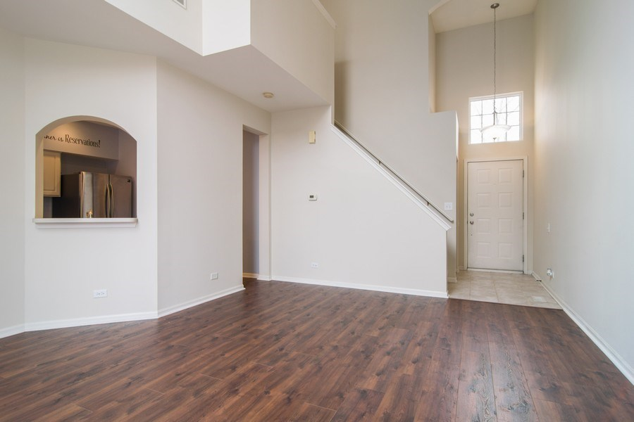 Real Estate Photography - 947 Mesa Dr, Elgin, IL, 60123 - Entryway