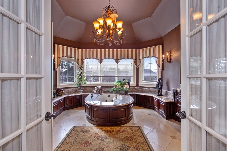 Real Estate Photography - 314 Felicia Ct, Bloomingdale, IL, 60108 - Master Bathroom