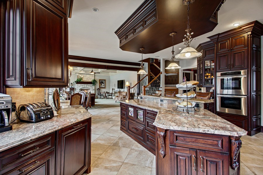 Real Estate Photography - 314 Felicia Ct, Bloomingdale, IL, 60108 - Kitchen