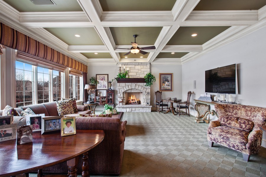 Real Estate Photography - 314 Felicia Ct, Bloomingdale, IL, 60108 - Family Room