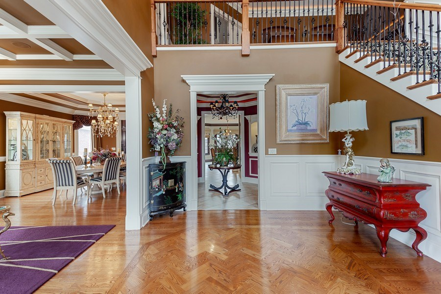 Real Estate Photography - 314 Felicia Ct, Bloomingdale, IL, 60108 - Foyer