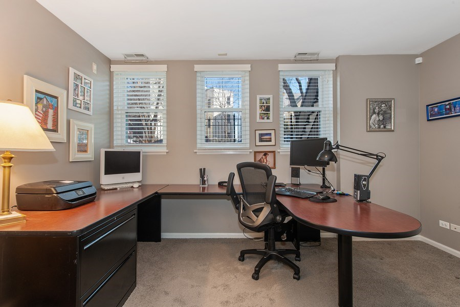 Real Estate Photography - 1862 N Wilmot Ave, Chicago, IL, 60647 - Office