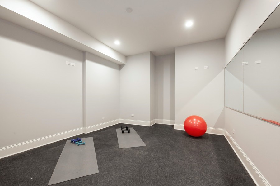 Real Estate Photography - 117 Church Rd, Winnetka, IL, 60093 - Exercise Room