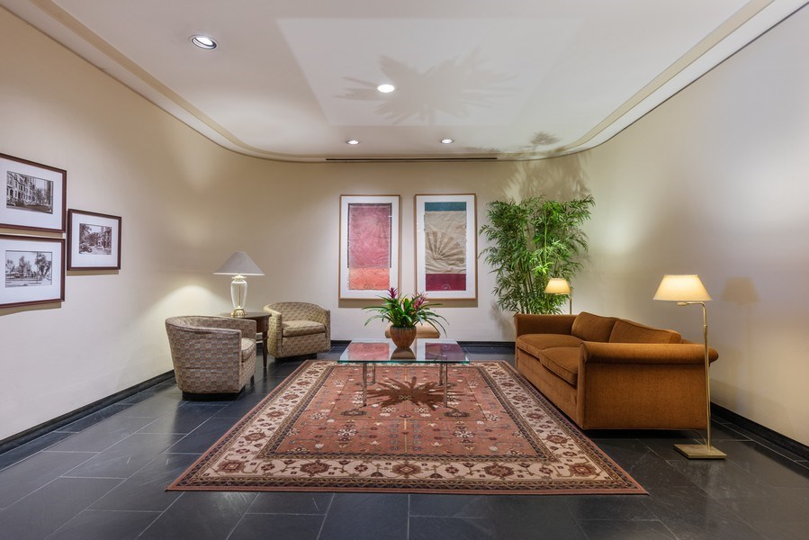 Real Estate Photography - 1310 N Ritchie Ct, 15B, Chicago, IL, 60610 - Lobby